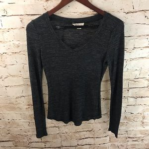 Forever 21 Light V-Neck Long Sleeve Tee Shirt